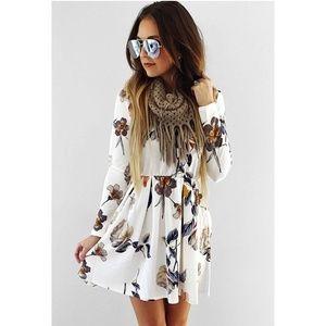 Dresses & Skirts - White Floral Long Sleeve Dress